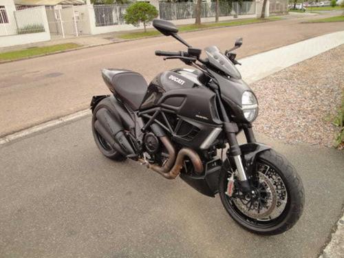 Imagem 1 de 13 de Ducati Diavel 1198 Black 2012