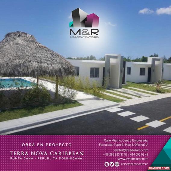 Town House En Venta En Republica Dominicana M&r-181