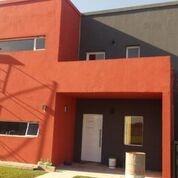Casa 5 Ambientes Y 4 Baños En Casuarinas Canning Premium