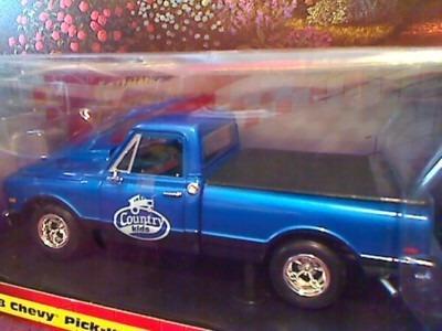 1968 Chevy Pick Up - 1/18 Johnny Lightning