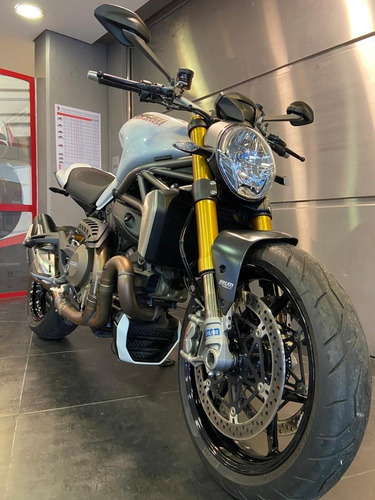 Ducati Monster 1200s Thiump No Bmw