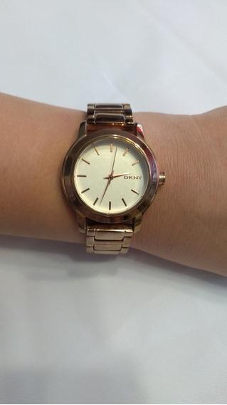 Reloj Dkny Color Dorado Rosado. En Buenas Condiciones. Dama