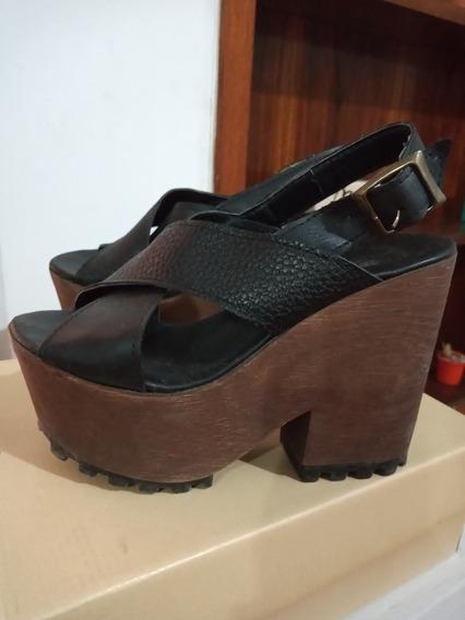 Zapatos De Plataforma Y Cuero