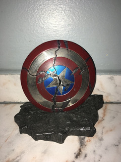 Cracked Shield Metal Com Base Captain America 1/6 Toys Era