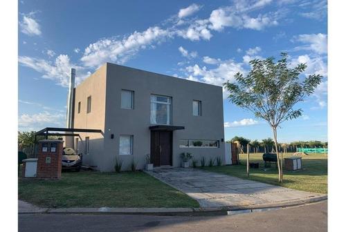 Hermosa Casa Venta San Ramón, Pilar Del Este