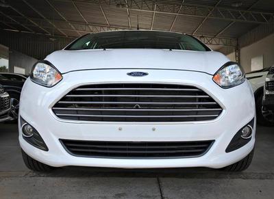 Ford Fiesta Sel 1.6. Branco 2017/17