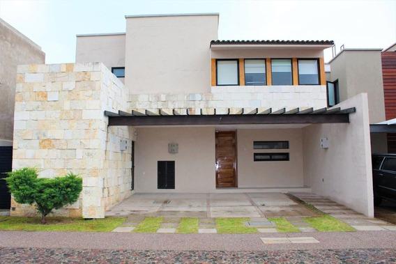 Casa En Venta En Jurica, Queretaro, Rah-mx-21-1102