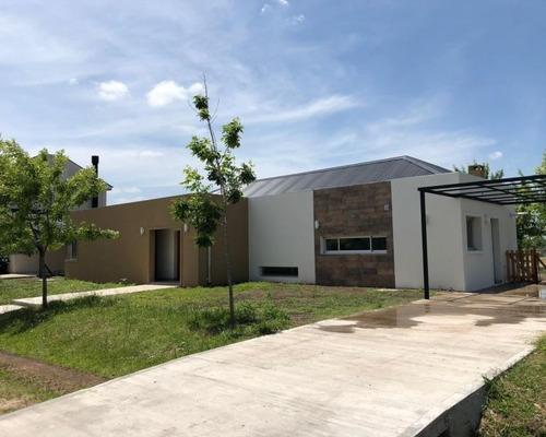 Casa 4 Ambientes Barrio Privado Pilar