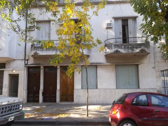 Casa En P.a. En La Plata En Alquiler | 40 E/ 2y3