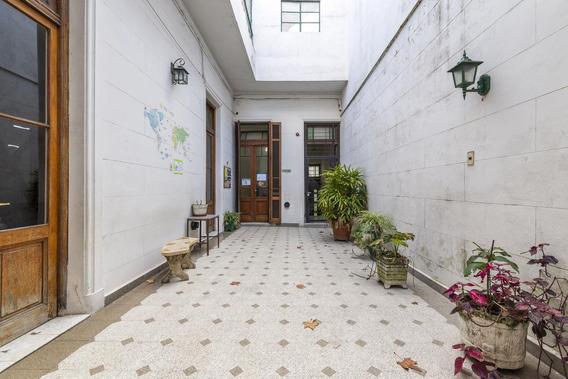 Casa 8 Ambientes En Parque Patricios