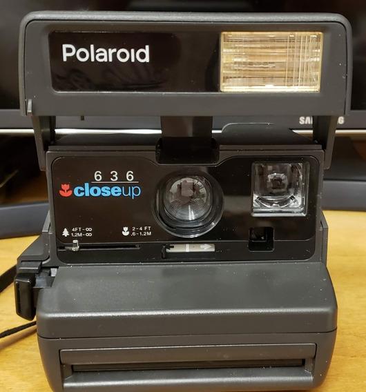 Camera Fotográfica Instantânea Polaroide 636 Closeup
