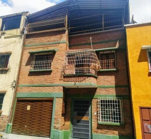 Casas En Venta La Candelaria 20-12644 Rah Samanes