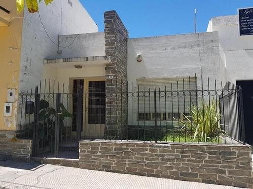 Casa 2 Dormitorios Av. Centenario 169  - Victoria Entre Rios
