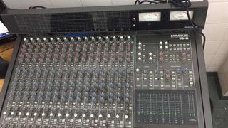 Consola De Grabación Mackie 16.08 Vumetro Api Ssl Neve