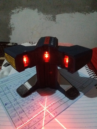 Ferramenta A Laser Esquadro De Três Pontos