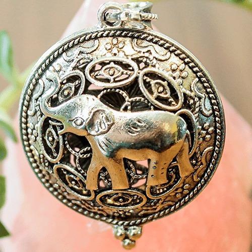 Colar Difusor De Aromas Pessoal Elefante Prateado C Corrente