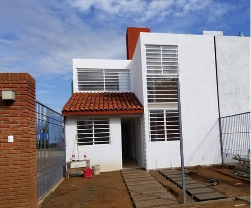 Imagen 1 de 16 de Se Vende Bonita Casa En Cuilapam De Guerrero, Oaxaca.