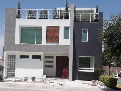 Casa De 4 Recámaras Y 5 1/2 Baños Con Green Roof