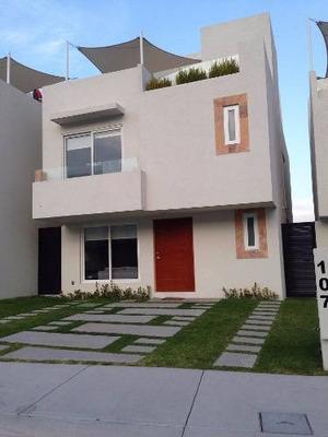 Preciosa Casa En Venta Cumbres De Juriquilla Los Olivos K408