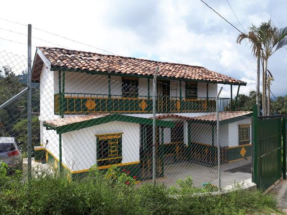 Hermosa Casa Finca En Santa Bárbara - Antioquia.
