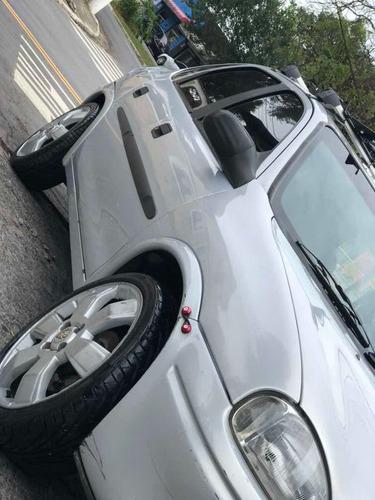 Chevrolet Corsa Sedã