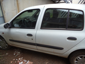 Clio Rn 1.6 5p - Hatch - Ano 2001 - Gas - Ar - Ve Diant.