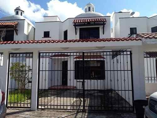 Espectacular Casa En Venta De Oportunidad 3 Hab. En Santa Fe, Playa Del Carmen P3079