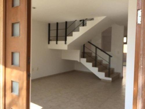 Hermosa Casa En Renta En Puerta Real Uno Modelo Barcelona