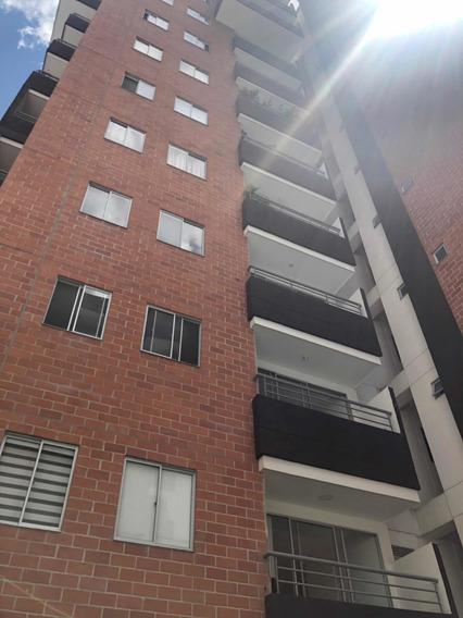 Apartamento En Caldas, En Unidad Con Piscina