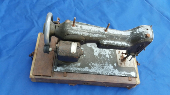 Maquina Costura Antiga U.s.a. New Home.