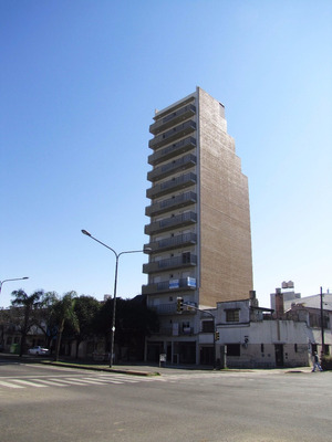 Venta De Consultorio A Estrenar - Boulevard 27 De Febrero
