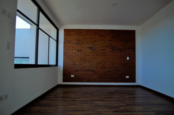 Hermosa Casa En Venta En Fraccionamiento Monteolivo