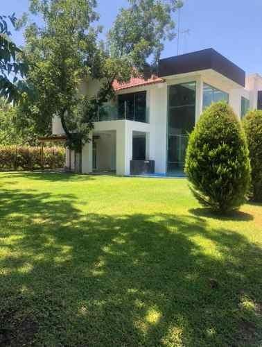 Casa En Renta Salamanca, Fraccionamiento Misión Real Castilla, Zona Centro