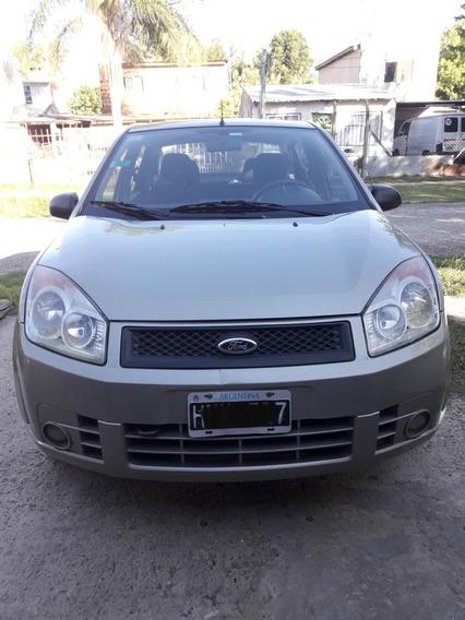 Ford Fiesta Max Ambiente Plus Sedan 4 Puertas