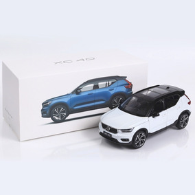 Miniatura Volvo Xc40 T5 Rdesign 1:18 Branco Csm - Oferta -