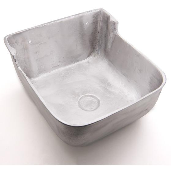 Comedouro Para Animais Em Aluminio Fundido 5,5 L