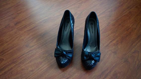 Sapato Com Brilho E Laço