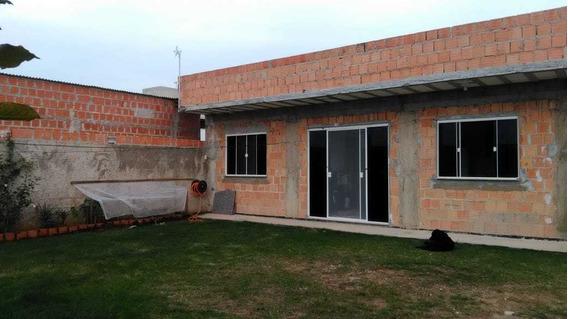 Casa 2 Quartos, 1 Suíte, 1 Bw Social, Sala E Cozinha