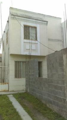 Casa En Venta En Montemorelos Real Del Valle.