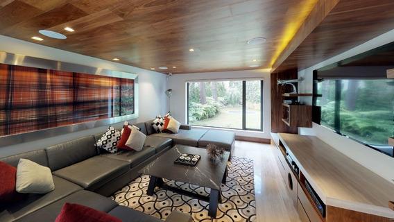 Espectacular Casa De Diseño En Lomas De Vistahermosa