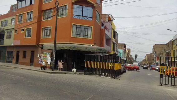 Se Vende Casa, 1er. Piso, En San Martin De Porres.