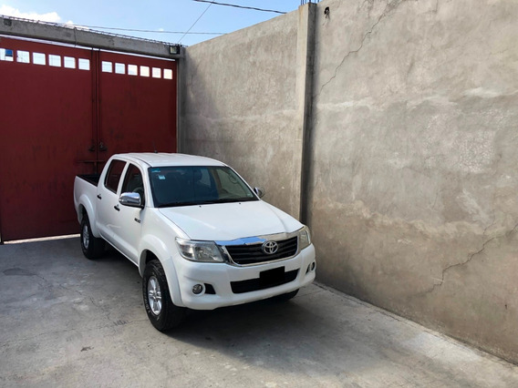 Pick Up Toyota Hilux Doble Cabina Sr Equipada Nueva