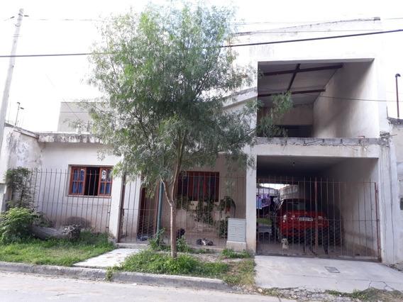 Casa De Dos Plantas