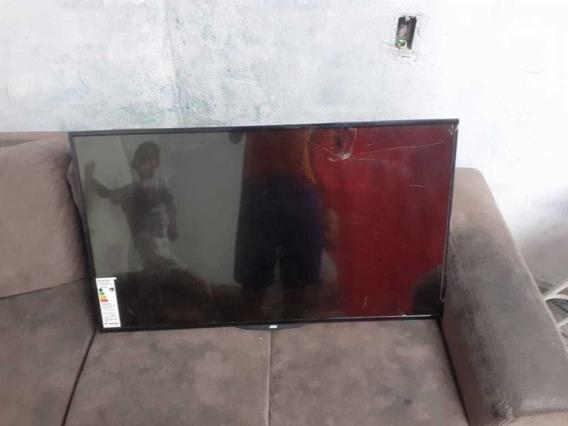 Televisão Aoc Com Tela Quebrada, Para Tirar Peças