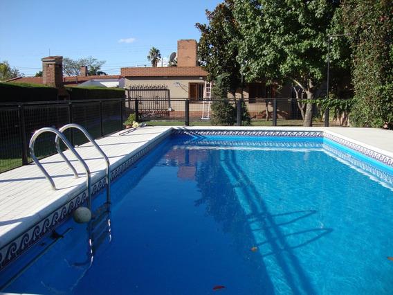 Muy Linda Casa En Venta En Carlos Paz, Con Amplio Parque.