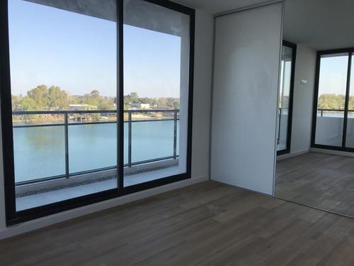 Apartamento 2 Dormitorios, 1 Baño, Vista Al Lago, Terraza, Piso Medio