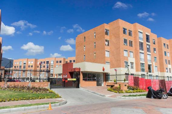 Hermoso Apartamento En Venta En Santa Barbara Mls 20-24