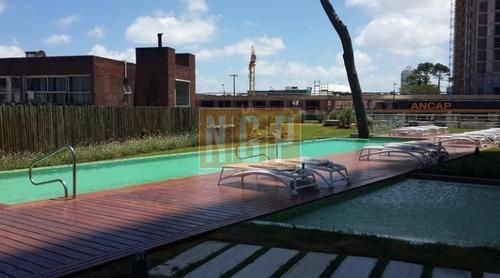Apartamento Con Excelentes Servicios- Ref: 10040