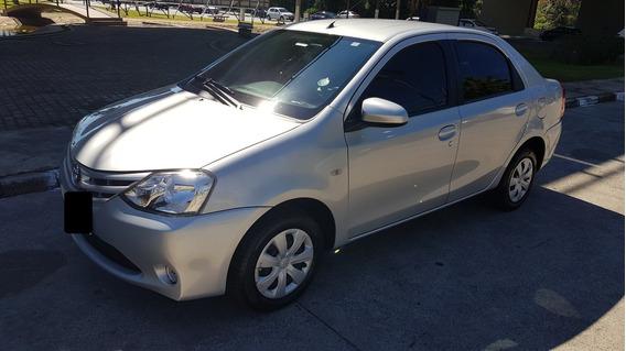 Etios Sedan Xs