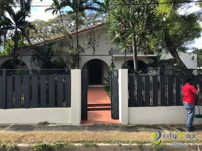 Casa En El Residencial Bayardo En Puerto Plata